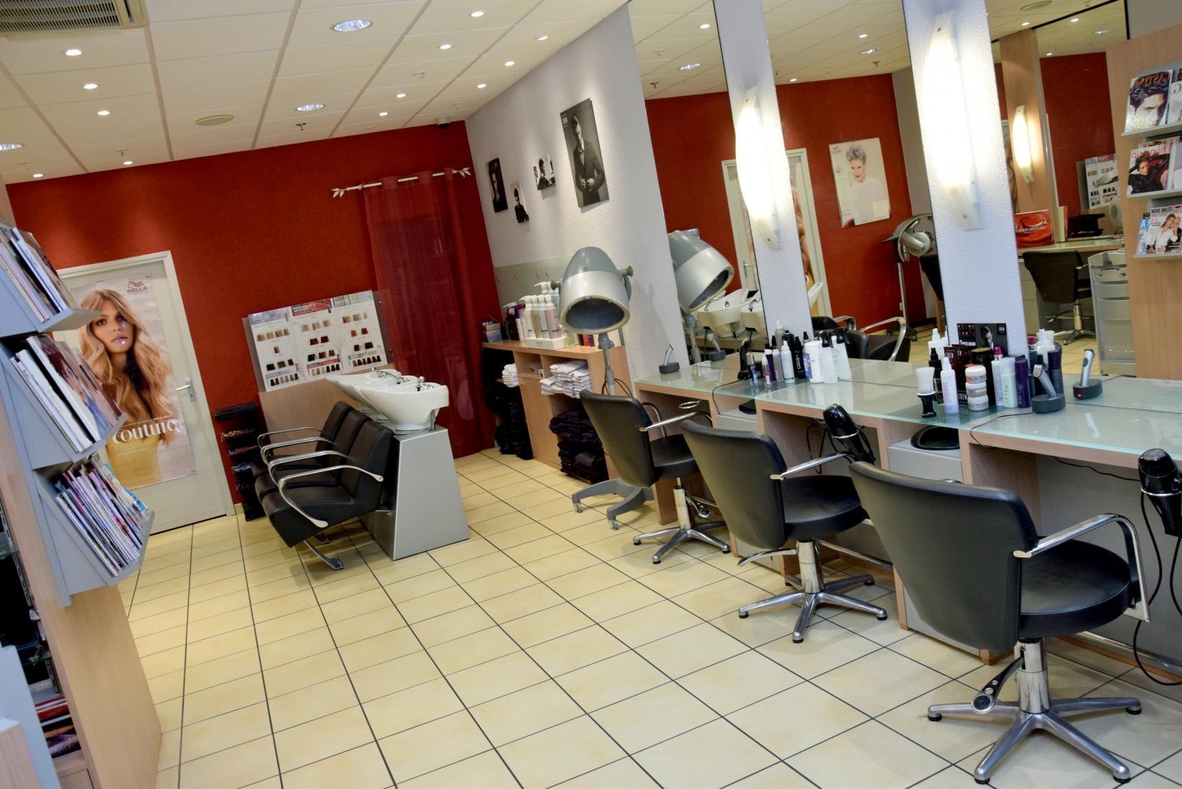 aromatic r dijon espace beaut salon de coiffure. Black Bedroom Furniture Sets. Home Design Ideas