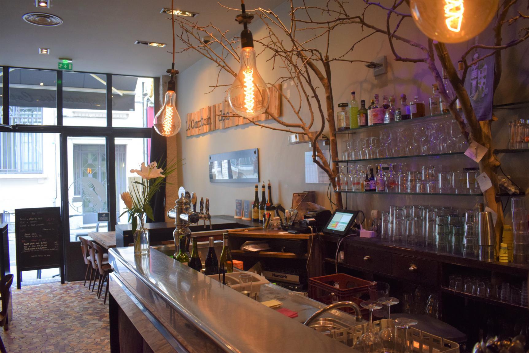 Le comptoir des copains bar vin bar coktails bar - Le comptoir des familles soldes ...